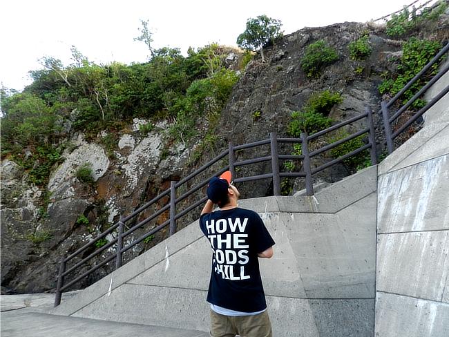 コールドワールド Tシャツ、バックプリント画像