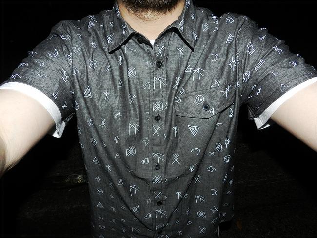 ボタンシャツ